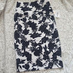 Lularoe Black & White Floral Cassie Pencil Skirt